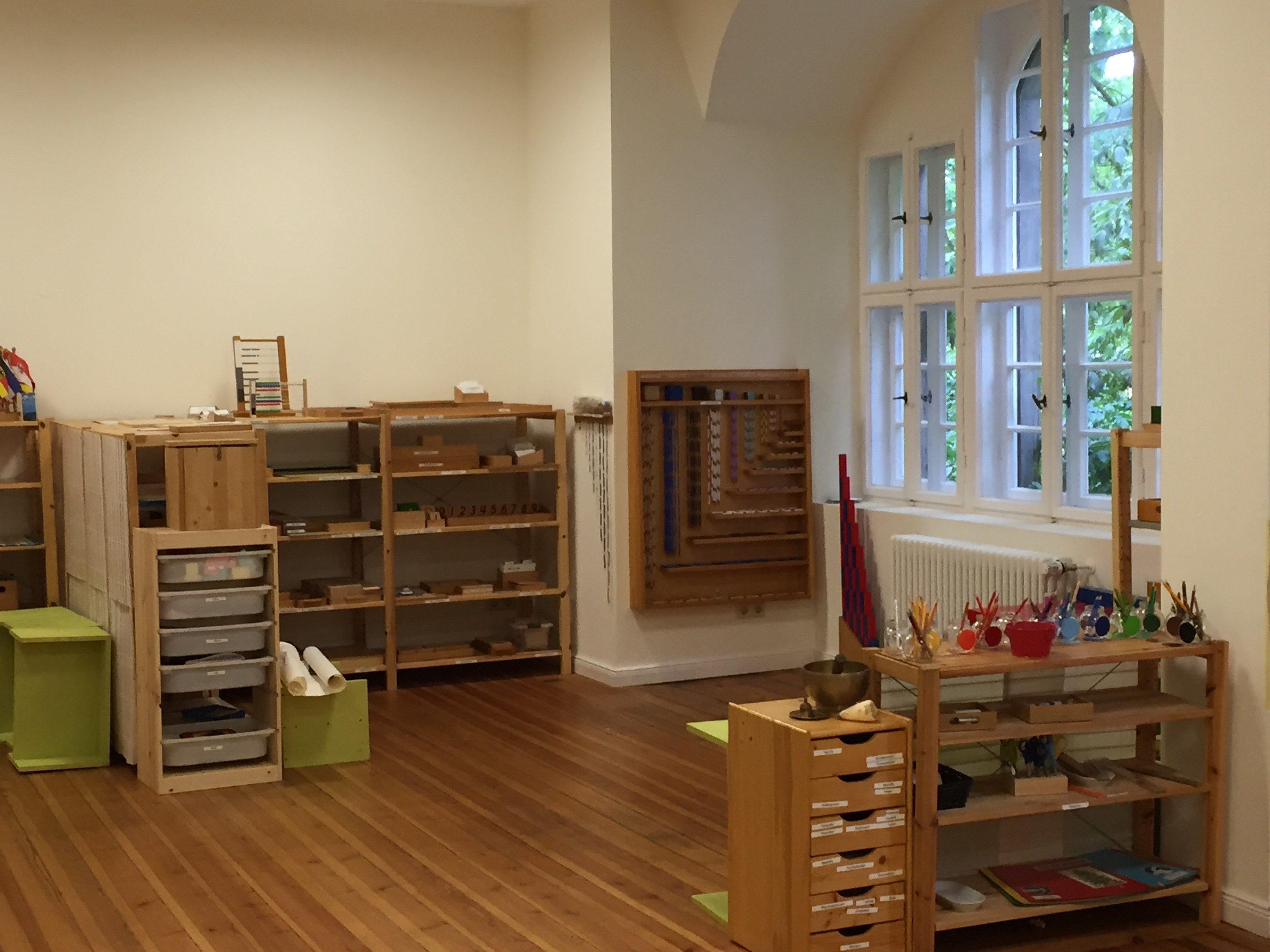 Klassenraum der internationalen Montessori-Schule Berlin