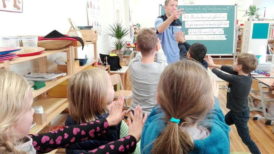 Montessori Schule Polizeibesuch